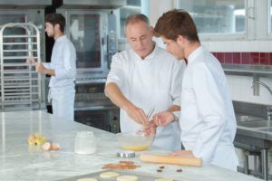 apprenti boulanger dans un super U