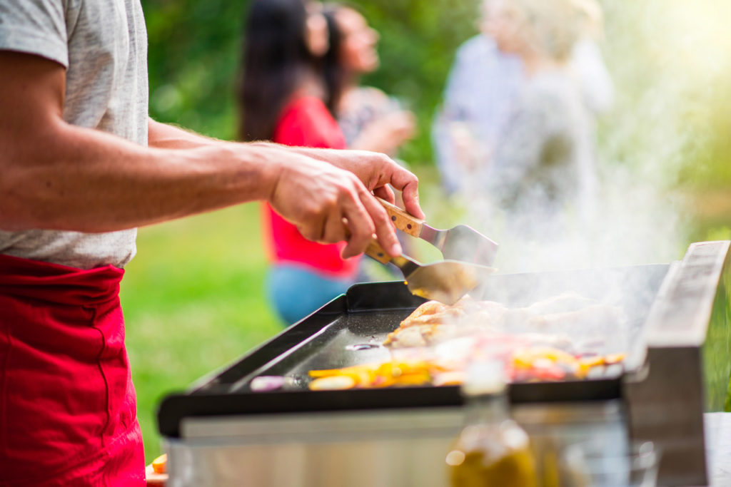 Comparatif plancha et barbecue